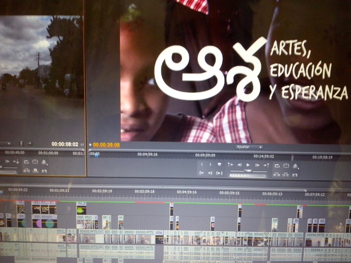 Editando (Āśa) Artes, Educación y Esperanza